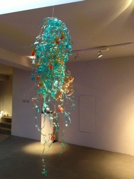 Enrica Borghi, Medusa, 2011, scultura in plastica verde, Courtesy OltreDimore, Bologna