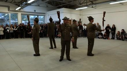 Filippo Berta, Istruzioni d'uso (performance), 2012, video, 2 minuti, Courtesy OltreDimore, Bologna