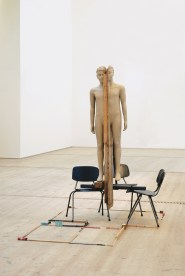 Mark Manders, Unfired Clay Figure, 2005-2006, sedie metalliche, resina epossidica dipinta, legno e materiali vari, cm 225x150x300, Dakis Joannou Collection, Atene