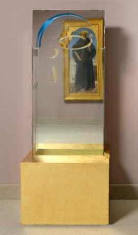 Chiara Dynys, San Nicola, 2013, vetro, specchio, argento e colore, cm 190x77x77 Courtesy Collezione Giovanni Alliata di Montereale Foto Paolo Vandrash