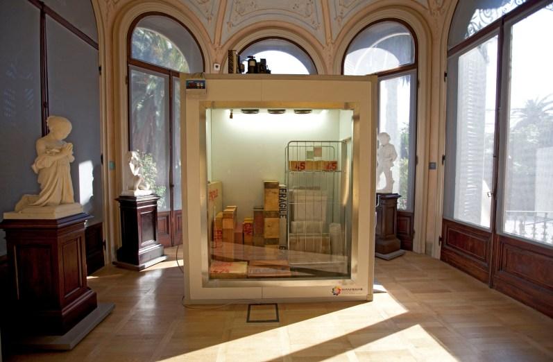 "Manuel Felisi, veduta installazione ""Menoventi"", 2013, cella frigorifera e opere GAM - Galleria d'Arte Moderna Genova Nervi"