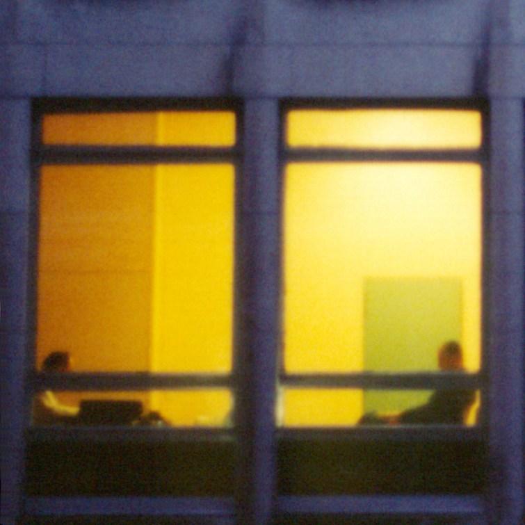 PATRICK VAN ROY, Bureau - Bruxelles, 2001, Lambdaprint su alluminio, cm 60x60 - edizione 5 esemplari. Courtesy Riccardo Costantini Contemporary, Torino