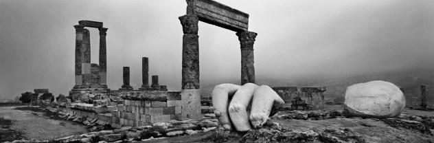 Josef Koudelka, Il tempio di Ercole ad Amman, Giordania, 2012 © Josef Koudelka, Magnum Photos, Contrasto