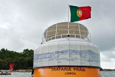 Joana Vasconcelos, Trafaria Praia, 2013. Detail of the Great Panorama of Lisbon (21st Century) installation on the outside of the Trafaria Praia ferryboat in Venice. Foto: Luís Vasconcelos. © Unidade Infinita Projectos.