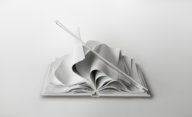Lorenzo Perrone. Come musica (2013). Bronzo bianco