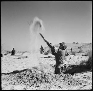 Phil Stern, Licata beach 1943, Photo by Phil Stern
