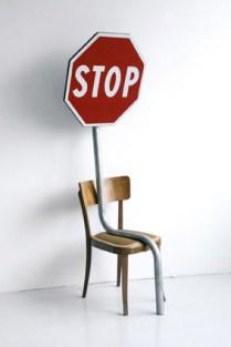 Frammenti di un discorso amoroso: Diango Hernandez, Tired Stop, 2008, sedia e segnale stradale, cm178x65x50, ed. ½