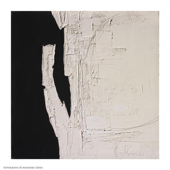 Piero Cattaneo, Segnificato bianco e nero, 1975, pastiglia e acrilico su faesite, cm 79x79 Foto Maurizio Grisa