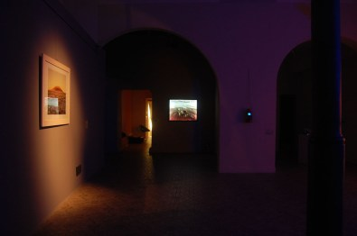 veduta della mostra Turn On The Bright Lights, Courtesy Guidi & Schoen Arte Contemporanea, Genova