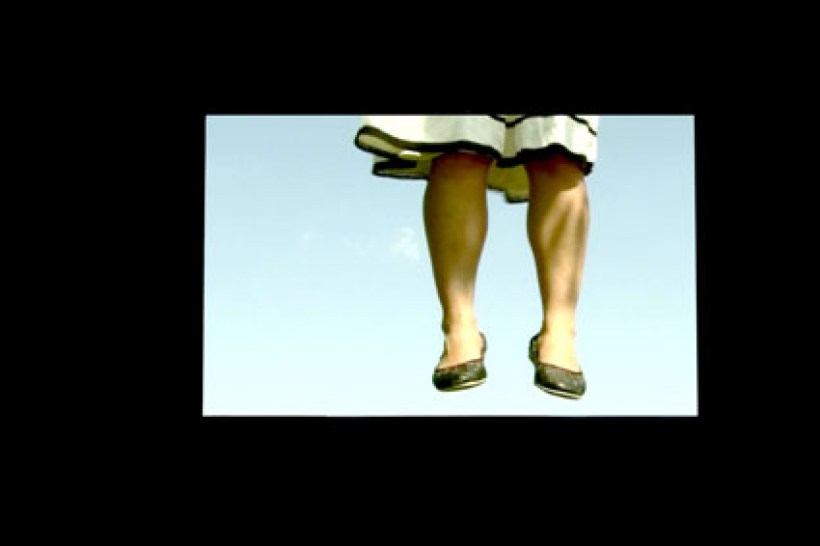 Elisa Strinna, Sospensione, 2006 video, 1'15'' Courtesy l'artista