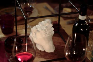 Nuvola Ravera, Dettaglio dell'installazione realizzata per Surtout la table sui tavoli del Ristorante La Brenta Rossa
