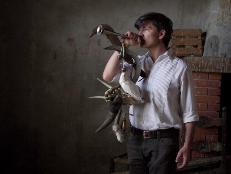 Cosimo Terlizzi, La benedizione degli animali, 2013, videostill Courtesy Traffic Gallery, Bergamo