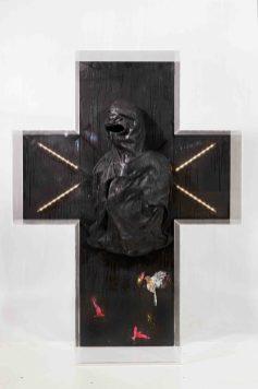 Cristiano Carotti, Son, 2013, teca + tecnica mista su tavola, 130x100x35 cm