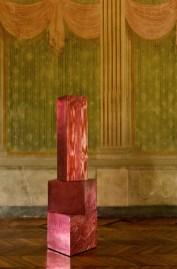 Andrea Salvetti, TRONCHI 5430, 2009, fusione di alluminio laccata, cm 194x58x64 ca, pezzo unico