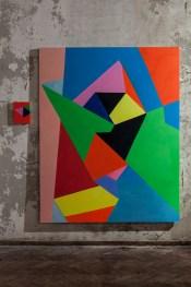 Nicola Melinelli, Senza titolo, 2013, olio su tela, 200x160 cm (a destra) e Senza titolo, 2013, olio su tela, 21x30 cm (a sinistra) Courtesy AplusB contemporary art, Brescia
