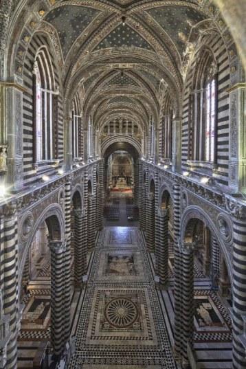 L'interno del Duomo dall'alto