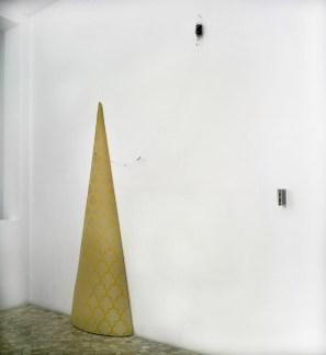 Giovanni Rizzoli, Cono d'oro, 2013, Stoffa imbottita, ph. Luca Carrà