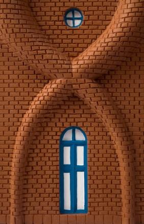"""Ugo La Pietra, Casetta """"Interno Esterno"""" Candelabri (dettaglio), 1979-2013, ceramica realizzata da Da Boit, Sesto Fiorentino Foto Aurelia Raffo Courtesy Archivio Ugo La Pietra"""