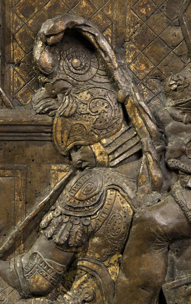 Pulpito di Donatello nella Basilica di San Lorenzo a Firenze, Scena della Resurrezione di Cristo, particolare di un soldato dopo il restauro, courtesy Opificio delle Pietre Dure
