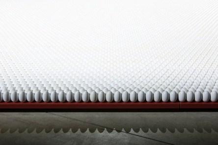 Cildo Meireles, Amerikka, dettaglio, Foto Agostino Osio Courtesy Cildo Meireles e Fondazione HangarBicocca, Milano