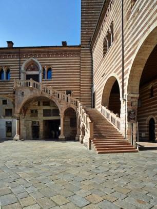 Scala della Ragione, Palazzo della Ragione, Verona. Foto:Lorenzo Ceretta