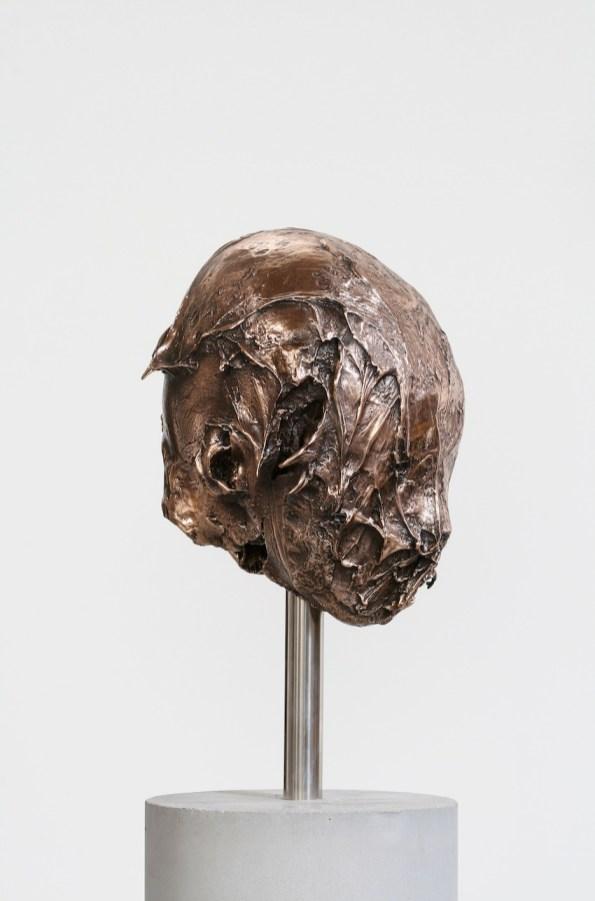 Nicola Samorì, Senza titolo (esordi di dio), 2009-2014, bronzo, cemento, acciaio, 166x21x20 cm
