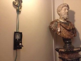 Dellacla, Nella trappola di Veermer, Remake, allestimento a Villa Margherita, Bordighera, (Imperia)