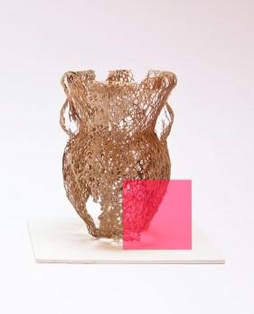 Michela de Mattei, Natura morta con rosa, 2013, essitura di fico d'india, 16x20x20 cm, Courtesy smART