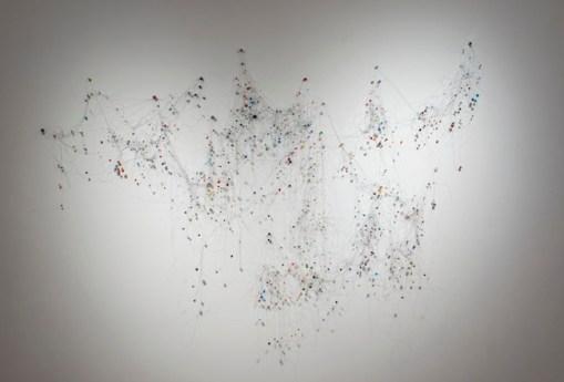 Aldo Grazzi, Cosmo veneziano, 2010, perle di vetro, pietra dura, plastica e filo di nylon, misure variabili