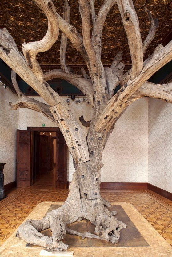 Ai Weiwei, Tree, 2009-10, tree sections, 550x635x590 cm Copyright 2014 © ARMELLIN F.