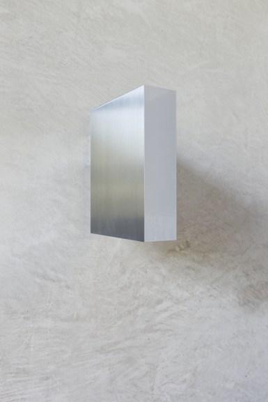 Arcangelo Sassolino, Analisi, 2014, acciaio e vernice industriale, 29x28.5x7.5 cm Courtesy Associazione Culturale Villa Pisani Contemporary Art Foto Bruno Bani, Milano