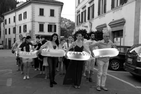 Marradi Campana InFesta 2014, Girovita. I salvagenti della Catastrofe, ph. Nedo Zanolini