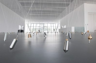 Tatiana Trouvé, I tempi doppi. Musieon, 2014. Front: 350 Points towards Infinity, 2009.Photo: Luca Meneghel, courtesy the artist, Gagosian Gallery, New York, Galerie Johann König, Berlin, Galerie Perrotin, Paris.