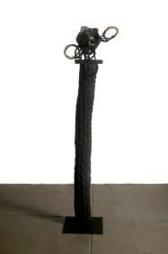 Filippo Sciascia, Gremano Esiatico 7, 2013 cm, 200x50x40, Olio su tavola, tronco di felce, rattan e ferro