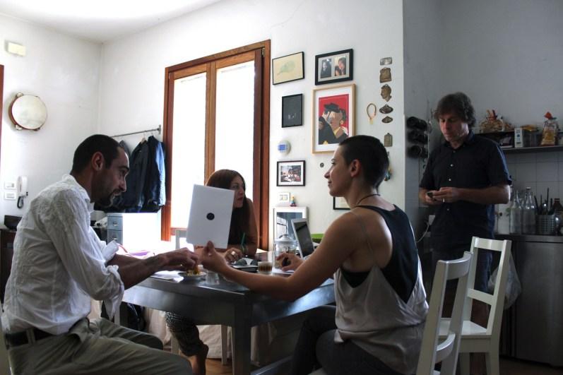 Il centro di Mona Lisa Tina e Giovanni Gaggia con Debora Ricciardi e Roberto Paci Dalò