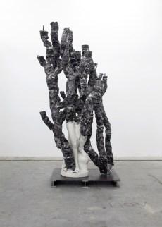 Nick van Woert, Nature Girl, 2012 statua di fiberglass, scorie di carbone, poliuretano, acciaio, alluminio 266.7 x 132 x 91.4 cm Collezione privata, UK