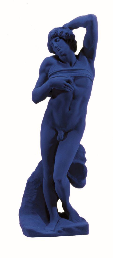 Yves Klein, L'Esclave d'après Michel-Ange, (S 20), 1962 Pigmento e resina sintetica su gesso, 60 x 22 x 15 cm Courtesy Yves Klein / ADAGP, Paris, 2014