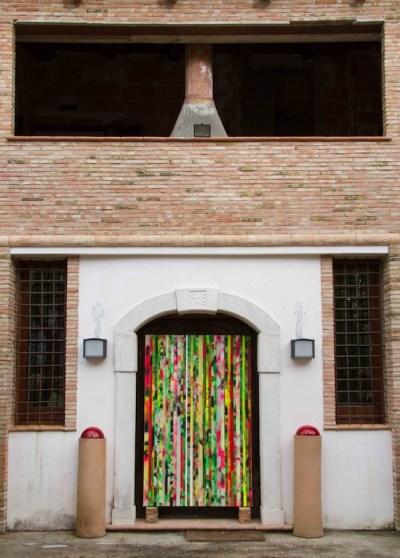 Foresta di carta, 2014, acrilico su carta gommata su tela, cm 190x120, site-specific per la XXXVIII Biennale Festa del Fuoco ph courtesy Carlo Ferrara