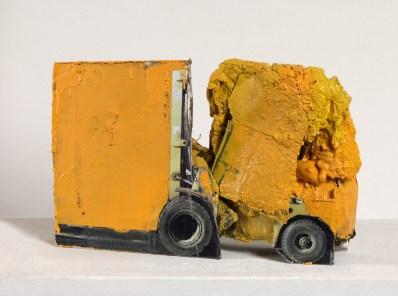 Bonioni Arte - Giacomo Cossio, Macchina 39, 2011, tecnica mista,  cm. 39x21x8, foto Dario Lasagni [1600x1200]