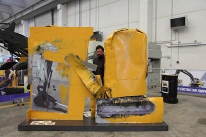 G. Cossio, Escavatore compatto Volvo ECR50D, installazione per Volvo CE, scultura polimaterica, cm. 220x290x98