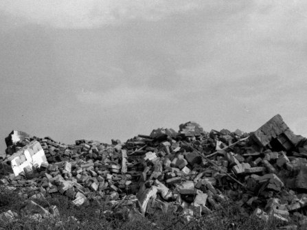 Franco Guerzoni, Riprese per Archeologie, 1973 Foto di Luigi Ghirri Courtesy Archivio Guerzoni