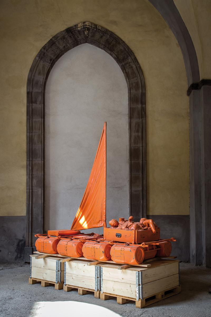 Sponda, 2014 jesmonite, legno, ferro, tela, resina, vernice cm 260x260x125, foto Danilo Donzelli photography