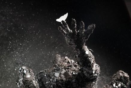 Francesco Diluca, Memento, 2014, ferro saldato e polvere di ferro, 185x200x200 cm, collezione privata