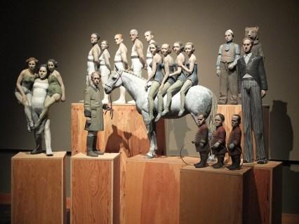 DANIELE FRANZELLA, Qualcuno non sia solo (terracotta policroma, 2013), ph. Melamedia, LGT