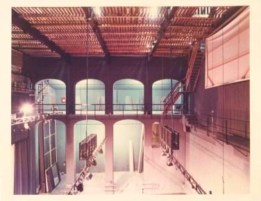 Luigi Ghirri, Reggio Emilia 19854, Serie I Teatri di Reggio Emilia, 1984, 28,5X22,2 cm, stampa cromogenica da negativo 6X7 cm, Courtesy Galleria Poggiali e Forconi
