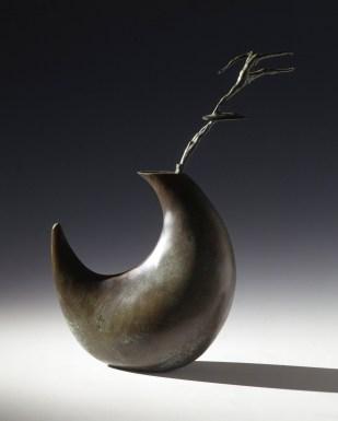 Giuseppe Maraniello, Boomerang, 2000, bronzo, 34x23x9 cm Courtesy Fondazione Marconi