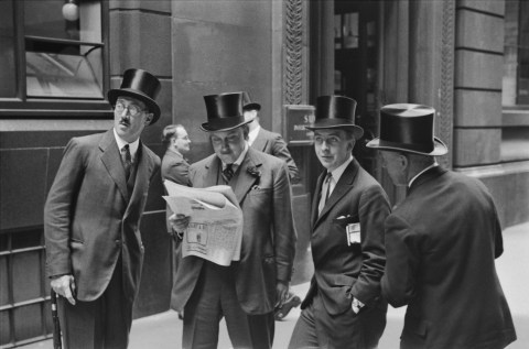 Emil Otto Hoppé, Rendezvous at the London Stock Exchange, 1937, England, vintage gelatin silver print © E.O. Hoppé Estate Collection / Curatorial Assistance