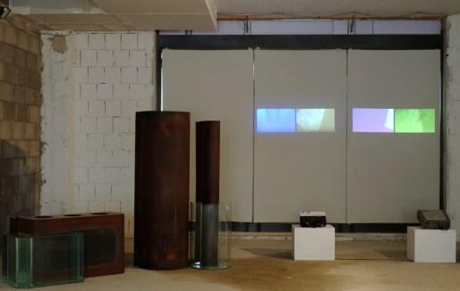 Michela De Mattei Per gravità (2014) Ferro, vetro, videoproiezione Dimensioni variabili Photo credits Andrea Papi