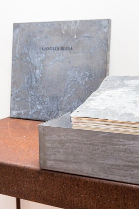 Pier Paolo Calzolari, Cantata Bluia libro dore, 1999, libro d'artista - #2 Courtesy galleria Riccardo Crespi, photo by Marco Cappelletti