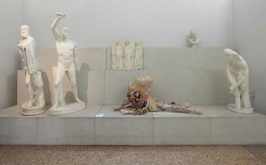 Sissi. Manifesto Anatomico, veduta della mostra presso il Museo Civico Archeologico di Bologna (2), ph. Matteo Monti, courtesy MAMbo. Museo d'Arte Moderna di Bologna